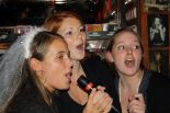 Karaoke Volendam - Singstar in a bar